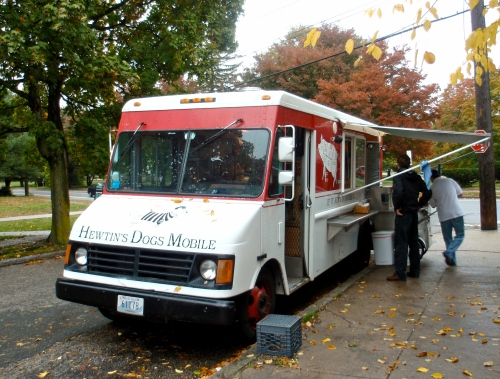 Hewtin's Mobile Hot Dog Truck